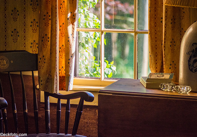 Salt Box Living Room Farm Window Web